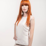 Female model with dull hairstyle without Hairdreams Laserbeamer Nano